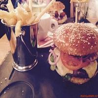 Unde Iesim in Oras? - Vivo - Fusion Street Food - cei mai gustosi burgeri din Bucuresti au venit tocmai de la Iasi, intr-un nou loc misto din Floreasca