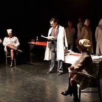 Istoria Comunismului repovestita pentru bolnavii mintali - spectacol din Chisinau la Undercloud