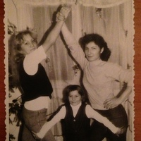 Cum se distrau femeile pe vremea comunismului in Bucuresti
