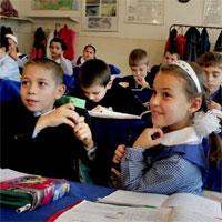 Utile - Elevii si profesorii sunt liberi de Ziua Internationala a Educatiei