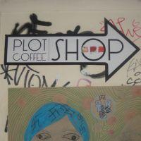 Plot & Coffee Shop - barul ideal pentru o cafea matinala din zona Piata Universitatii