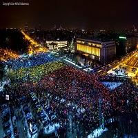 La zi pe Metropotam - #rezist Cum s-a vazut drapelul uman de la protestul din 12 februarie din Bucuresti