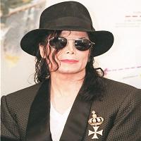 La zi pe Metropotam - Un raport din 2003 al politiei scoate la iveala ca in locuinta lui Michael Jackson s-au gasit materiale pornografice cu minori